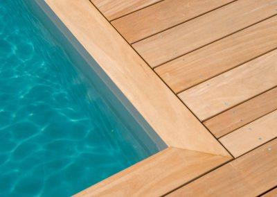 crea-jardin-amenagement-exterieur-habillage-piscine-bois